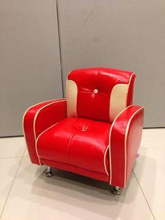 Sleek retro Mini Mustang 1 seater in Red/Ivory.