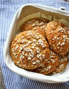 Oatmeal Bread in 30 minutes Healthy Baking, Healthy Recipes, Healthy Food, Oatmeal Bread, Doughnut, Muffin, Food And Drink, Cookies, Breakfast