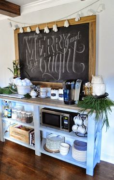 My heart melted over this beautiful Christmas chalkboard lettering. Take note of that gorgeously decorated and functional table as well! These are the perfect touches to this holiday kitchen!