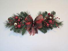 Resultado de imagen para outdoor christmas swags wreaths