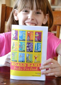 Roald Dahl books - FREE printable booklet to keep track of the books you've read