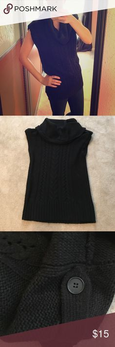 Chunky sleeveless sweater Chunky sleeveless sweater- can be worn alone or layered Nine West Sweaters Cowl & Turtlenecks