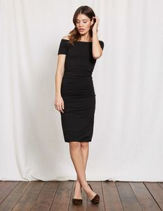 Whether your diary dictates desk, dinner or drinks, this effortless body-con is equal amounts sultry and sophisticated to take you there. In double-layered fabric, with a slight stretch and ruched detailing that you can adjust to suit you, it makes a flattering shape that you'll fall back on time and time again.