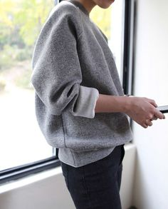 Oversized sweat - death-by-elocution.tumblr.com