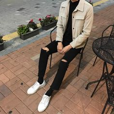 first date outfit Stylish Mens Outfits, Casual Work Outfits, Grunge Outfits, Fashion Outfits, Streetwear Mode, Streetwear Fashion, Aesthetic Fashion, Aesthetic Clothes, Estilo Tomboy