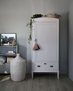 swedish style furniture for kids' room Diy Kids Furniture, Baby Room Furniture, Wooden Furniture, Contemporary Interior Design, Beautiful Interior Design, Ikea Kids Bedroom, Bedroom Cupboard Designs, Bedroom Vintage, Room Interior
