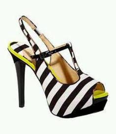 8f27908f8d4 Gianni Bini Cheryl T-Strap Platform Sandals