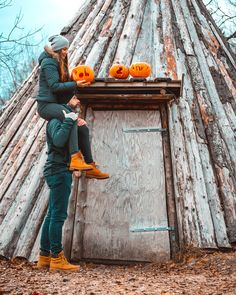 #halloween #couple #couplegoals #holidays #fall Simply Life, Time Of The Year, Happy Halloween, Annie, Couple, Holidays, Fall, Instagram, Autumn