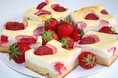 Jahodovy s tvarohom. Sweet Recipes, Cheesecake, Food And Drink, Treats, James Bond, Cakes, Coffee, Dresses, Basket