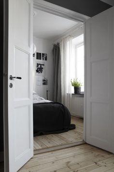 Mini flat given serous bachelor pad makeover  Hometone