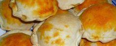 Receta de pukacapas. Las Pukacapas son empanadas de la region valluna de Bolivia. Su secreto esta en la delicada masa y el delicioso sabor del jigote que tienen.