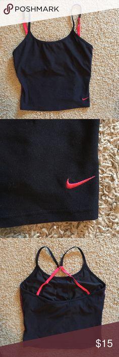 Nike crop top Nike crop top with built in shelf bra. Worn twice, in excellent condition! Nike Tops Crop Tops