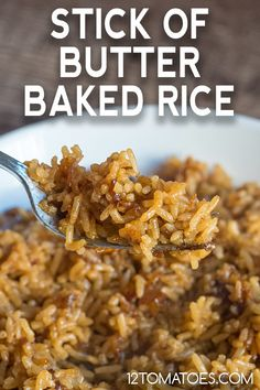 Stick of Butter Baked Rice Just four ingredients! (And yes, one is a stick of butter. Rice Side Dishes, Vegetable Side Dishes, Pasta Dishes, Vegetable Recipes, Main Dishes, Pasta Sauces, Veggie Food, Stick Of Butter Rice, Baked Rice