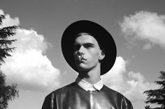 Jonathan wears t-shirt Qasimi, shirt Kris Van Assche, hat Giorgio Armani and nose jewelry Givenchy by Riccardo Tisci Willy Cartier, Men Tumblr, Nose Jewelry, Jewellery, Summertime Sadness, Hipster Man, John Galliano, Giorgio Armani, Personal Style