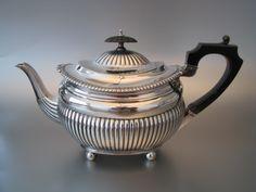 Super chique zilveren theepot | Serviezen, theepotten en theelichten | Collectie | Antiek Zilver