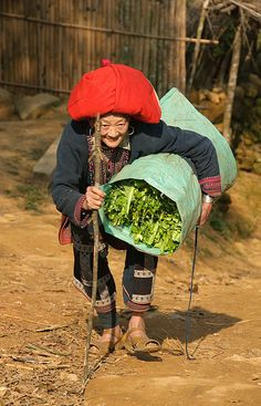 old Red Yao woman in Sapa, Vietnam | Flickr - Photo Sharing!