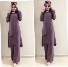 Image may contain: 2 people, people standing - Pregnancy Vestido Batik, Batik Dress, Beautiful Dress Designs, Most Beautiful Dresses, Modest Fashion, Hijab Fashion, Fashion Dresses, Trend Fashion, Fashion Design