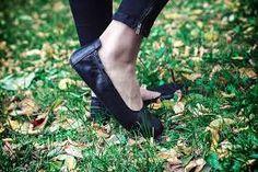 barefoot angles – Vyhledávání Google Men Dress, Dress Shoes, Angles, Barefoot, Loafers Men, Oxford Shoes, Flats, Google, Fashion