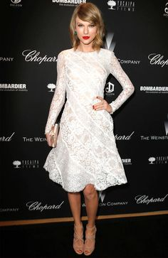 taylor-swift-red-carpet-lace-white-dress-red-lipstick