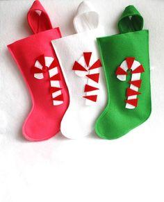 Retro caramelo caña eco amigable sentía calcetín de Navidad en verde, blanco, rosa o rojo