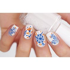 """Macarena na Instagramie: """"Spring is finally here! I did this blue & orange floral mani to celebrate this new season ☺️ as always everything is hand drawn with acrylic paint and the white polish is from @essie_chile Happy Monday sweeties """""""