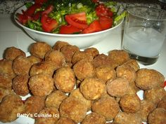 Betty's Cuisine: Κεφτεδάκια με ούζο και νιφάδες βρώμης ! Greek Recipes, Sausage, Food And Drink, Meat, Cooking, Ethnic Recipes, Kitchens, Kitchen, Kochen
