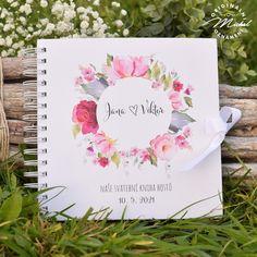 Album do kterého mohou Vaši svatební hosté zapsat své dojmy, pocity z Vaší svatby a přání do Vašeho života. Nádherná vzpomínka, kterou budete i po letech rádi pročítat.   Kniha je tvořena 40 ks vnitřních bílých listů (80 stran) o vysoké gramáži 220gms.  Jednotlivé listy jsou spojeny kvalitní kroužkovou vazbou v pevných knižních deskách.  Každá kniha je osobní, protože obsahuje Vaše jména a datum svatby.  Rozměr 20,3x20,3 cm. Watercolor, Books, Wedding, Photograph Album, Pen And Wash, Valentines Day Weddings, Watercolor Painting, Libros, Book