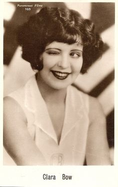 Retro Rover: Cinema Spotlight on Clara Bow's Most Famous Film It Hollywood Glamour, Hollywood Stars, Hollywood Actresses, Classic Hollywood, Old Hollywood, Silent Film Stars, Movie Stars, Vintage Glamour, Vintage Beauty