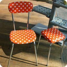 Chaise de cuisine et tabouret années 60 à pois