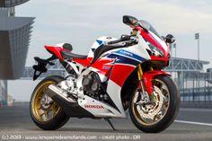 2014 honda cbr1000rr fireblade sp Honda Motorbikes, Honda Motorcycles, Moto Bike, Motorcycle Bike, Honda Sport Bikes, Honda Fireblade, Motorbike Design, Custom Sport Bikes, Honda Motors