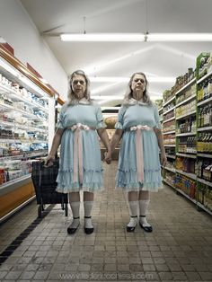 """What if the most scary film horror characters were still alive now? Federico Chiesa and Carolina's photography project """"Horror Vacui"""" and the terrifying Shining twins. Scary Movies, Horror Movies, Mad Movies, 80s Movie Characters, Horror Vacui, The Shining Twins, Shining 2, Horror Villains, Cinema Tv"""