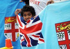 フィジー国旗を持つ少年=2011年9月、ニュージーランド・ウェリントン(AFP=時事) ▼3Feb2015時事通信|「ユニオンジャック」に決別=フィジーが国旗変更へ http://www.jiji.com/jc/zc?k=201502/2015020300712