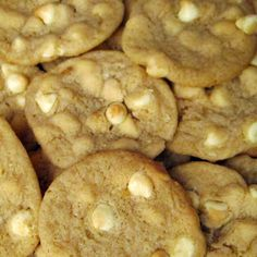 Easy Dessert Recipes: White Chocolate Chip Cookies Recipe best chip style cookies I have ever made. Chip Cookie Recipe, Easy Cookie Recipes, Easy Desserts, Delicious Desserts, Dessert Recipes, Nut Recipes, Chips Recipe, Dessert Ideas, Drink Recipes