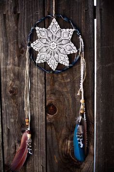tatted dream catcher for my car Los Dreamcatchers, Arts And Crafts, Diy Crafts, Yarn Crafts, Idee Diy, Diy Art, Artsy Fartsy, Wind Chimes, Diy Design