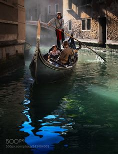 The secret Venice - In a small canal, in the morning light, far from the crowds of tourists. - The secret Venice – In a small canal, in the morning light, far from the crowds of tourists… - Venice Attractions, Italy Art, Italy Italy, Grand Canal, Bologna, Belle Photo, Dream Vacations, Italy Travel, Palazzo