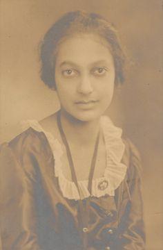 Mercedes Alice Anderson, Regina Andrews' sister