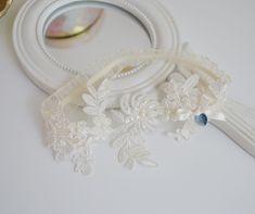 Koronkowa podwiązka ślubna z niebieskim kryształkiem! Wedding Garters, Living Room