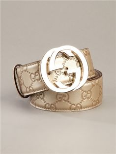 Shop designer belts for women at Farfetch and find logo-buckle styles from Gucci and Fendi and Off-White's signature industrial tape styles. Gold Gucci Belt, Mens Gucci Belt, Gold Belts, Leather Belts, Luxury Belts, Fashion Belts, Fashion Brands, Style Fashion, Cheap Gucci