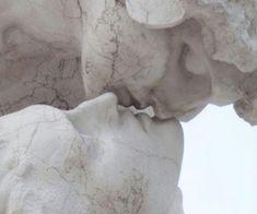 the kiss _______ art / kiss / statue / minimalism Art Sculpture, The Secret History, Greek Mythology, Aesthetic Art, Aesthetic People, Aesthetic Statue, Makeup Aesthetic, Aesthetic Grunge, Oeuvre D'art