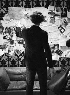 Find images and videos about sherlock, benedict cumberbatch and sherlock holmes on We Heart It - the app to get lost in what you love. Sherlock Holmes Bbc, Sherlock Fandom, Sherlock John, Sherlock Bored, Johnlock, Martin Freeman, Detective, Robert Downey, Vatican Cameos