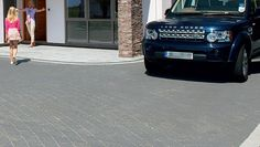 Drivesett Argent is an attractive, more affordable alternative to Granite Setts with a lower carbon footprint.