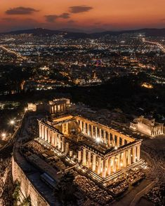 Acropolis Greece, Athens Greece, Athens By Night, Beautiful World, Beautiful Places, Amazing Places, Greece Wallpaper, Voyage Europe, City Aesthetic