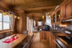 Chalet-Küche in alter Lärche Alter