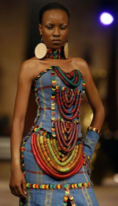love the mix of African fabrics and reference to Masai beadwork. African Inspired Fashion, African Print Fashion, Africa Fashion, Ethnic Fashion, African Prints, Luxury Fashion, African Wear, African Attire, African Women