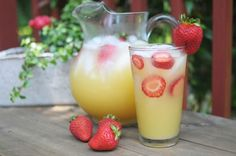 Alcoholic & Non-Alcoholic Peach pineapple sangria... Summertime FUN!