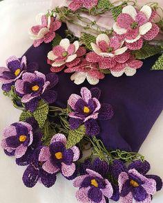 Crochet Shawl Diagram, Crochet Borders, Crochet Flower Patterns, Baby Knitting Patterns, Crochet Stitches, Crochet Chocker, Crochet Necklace, Knitted Flowers, Lace Flowers