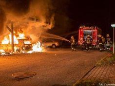 Brennende Müllinsel breitet sich schnell auf mehrere Fahrzeuge aus [Video] http://www.feuerwehrleben.de/brennende-muellinsel-breitet-sich-schnell-auf-mehrere-fahrzeuge-aus-video/ #feuerwehr #firefighter