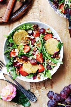 sałatka z winogronami, truskawkami i polenta1