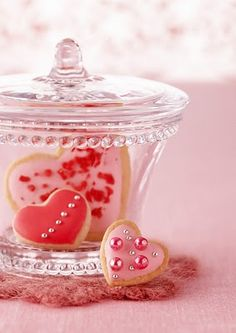 Valentine's Day at Rose Tea Cottage Valentine Cookies, Valentines Day Hearts, Valentine Day Love, Valentine Colors, Easter Cookies, Birthday Cookies, Christmas Cookies, Heart Day, I Love Heart