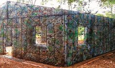 Crédit photo : Plastic Bottle Village
